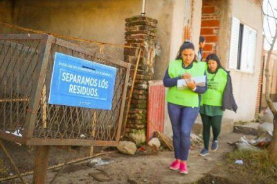 Jóvenes promocionan la separación de residuos