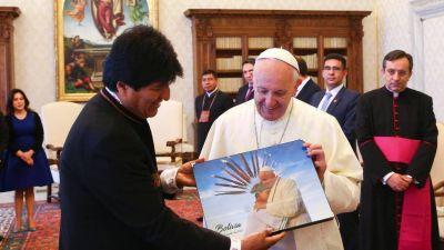 Francisco y Evo Morales: Hablan de Latinoamérica y del mundial
