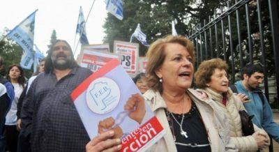 Los docentes cerraron un nuevo paro con críticas a los anticipos de sueldo que hace Vidal