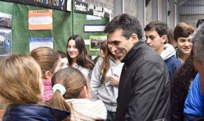 Feria de Ciencias: López destacó los proyectos
