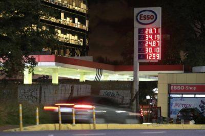 Alertan sobre restricciones en la venta de combustibles, pero el Gobierno lo niega