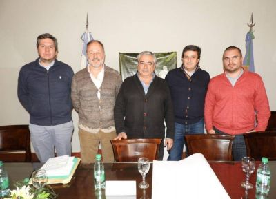 General Villegas firmó acuerdo con Córdoba por obras hídricas