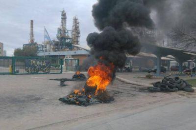En Bahía, continúa la toma de una refinería por 150 despidos e intervendrán Provincia y Nación