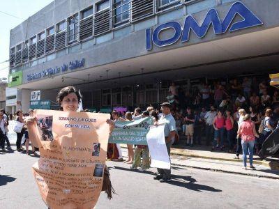 Grave: El nuevo sistema de IOMA no funciona y peligra la compra de medicamentos