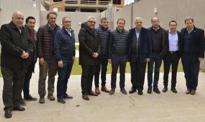 Aysa: mientras negocia con Macri, Vidal arma la resistencia con el PJ