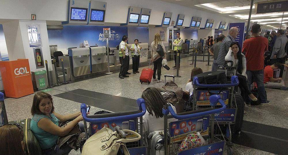 Gremios aeronáuticos lanzaron paro al inicio de las vacaciones de invierno: se verían perjudicados 83 mil pasajeros