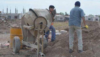Avanzan obras de agua y cloacas en las 48 Viviendas