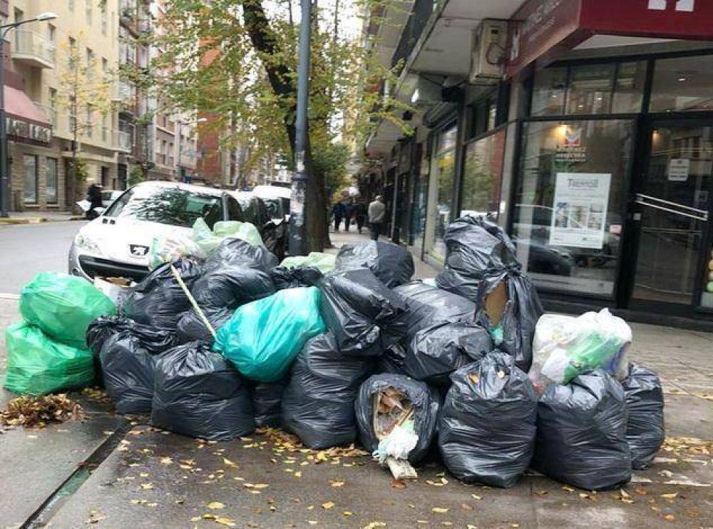 Mar del Plata seguirá cubierta de basura durante todo el fin de semana largo