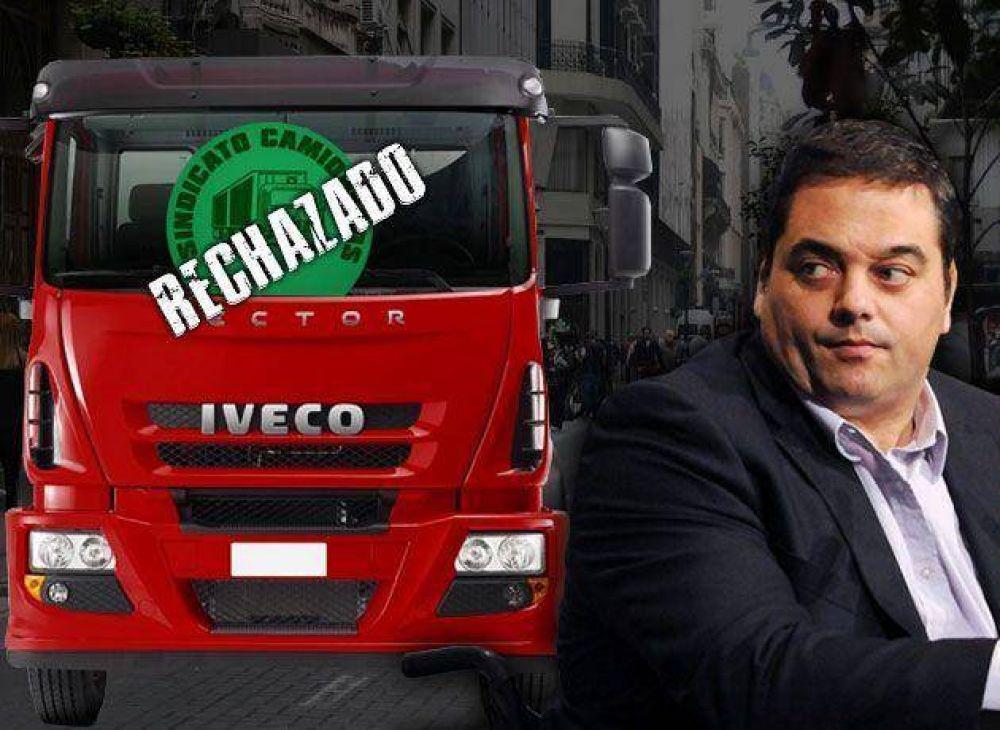 Moyano desafía al Gobierno y organiza bloqueos para exigir a las empresas el