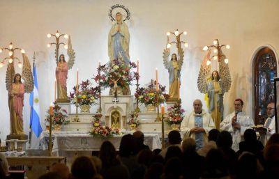Con una misa, se celebraron los 80 años de la fundación de la Gruta de Lourdes