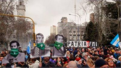 """Mar del Plata también dijo """"la Patria no se rinde"""""""