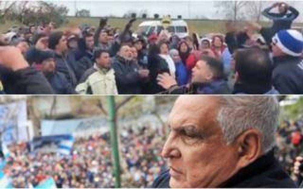 Sector de la UOCRA marchó al penal de Ezeiza para cantarle el feliz cumpleaños al 'Pata' Medina