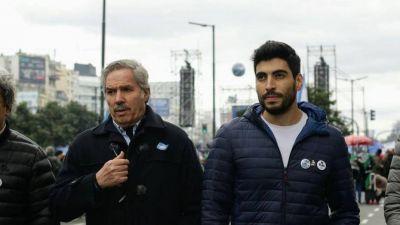 Felipe Solá y Facundo Moyano, en una foto con aroma electoral y distantes de Sergio Massa