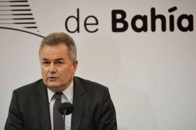 """""""Escandalo"""" en Bahía Blanca: el intendente le subió el sueldo a su Gabinete por sobre la paritaria y él gana casi medio millón"""