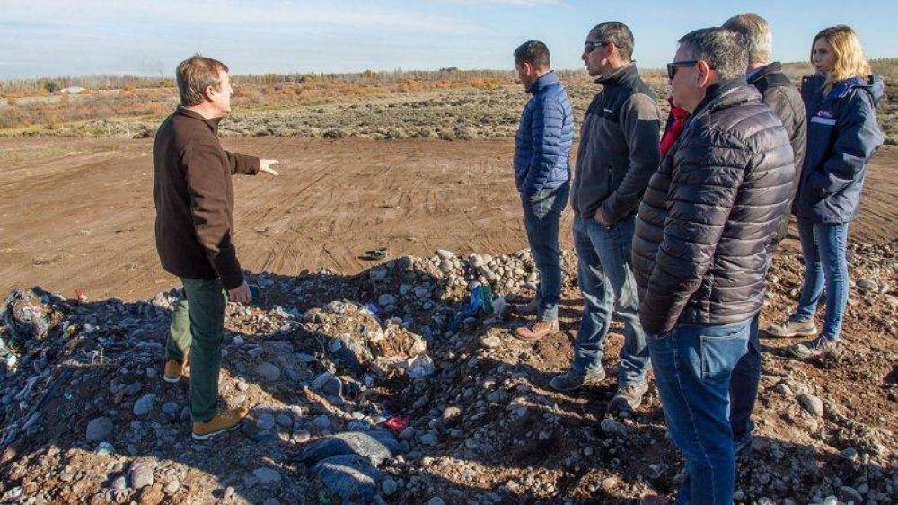 Tortoriello no enviará, por ahora, la basura a Neuquén