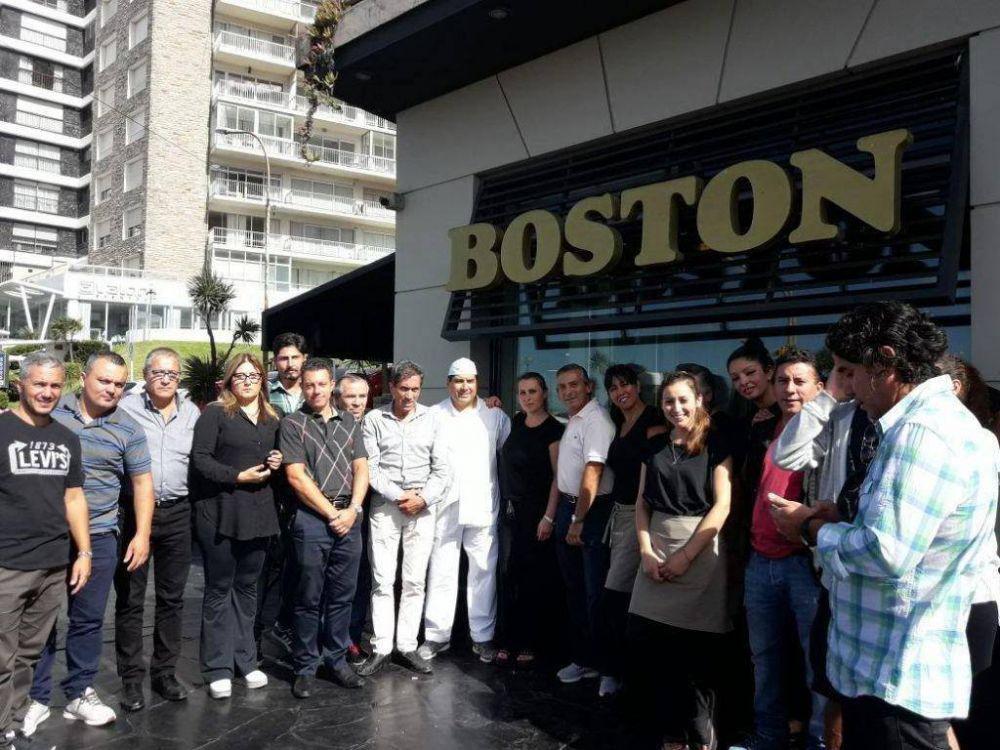 Gastronómicos aseguran que en total serán 70 los despidos en la Boston