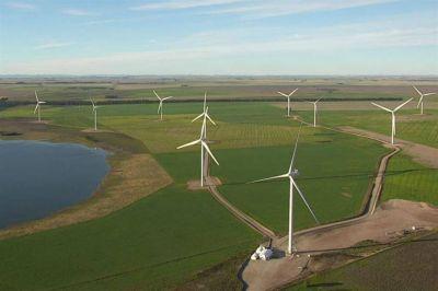 El viento los junta: llegan más proveedores de molinos por el boom de las renovables