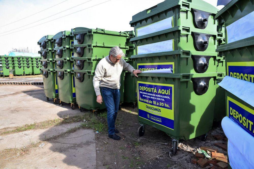 """Javier Gastón: """"Sumamos más de 400 contenedores para profundiar el servicio de recolección y ver nuestra ciudad mucho más limpia"""