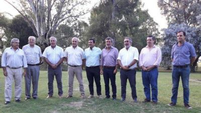 Scarsi se reúne con intendentes para firmar un Convenio de Recolección de Residuos Patogénicos