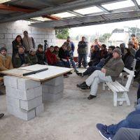 Presentaron un calefón solar creado por la Facultad de Ingeniería para familias en situación de pobreza