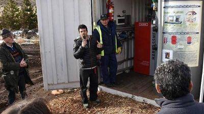 Presentaron en Esquel la caldera que convierte residuos forestales en energía