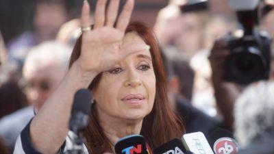 Cristina arma Unidad Ciudadana en todo el país y le pide a Solá acordar con el peronismo