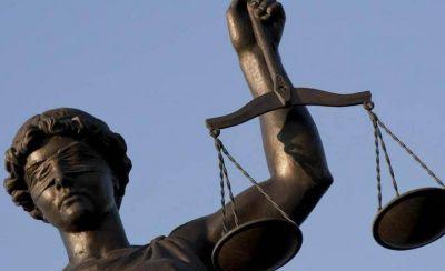Jueces responden con dureza a los abogados