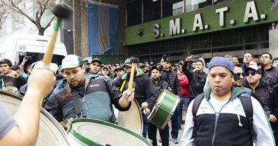 En medio de la crisis industrial, UOM y SMATA marcharon a Producción