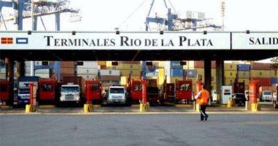 Preventivo de Crisis y temor por despidos masivos en el puerto de Buenos Aires