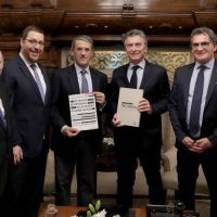 Piden a Macri que refuerce el reclamo por la AMIA a nivel internacional