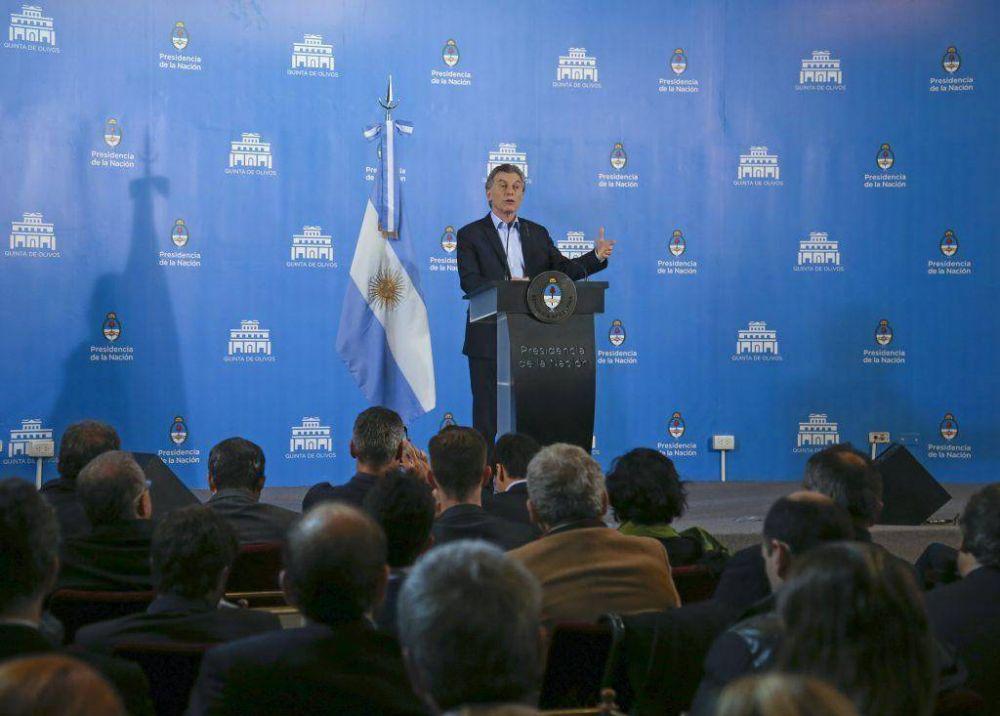 """Arroyo en la conferencia de Macri, políticos que se mueven y la """"poli"""" local"""