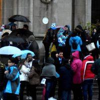 Nutrida manifestación bajo la lluvia en contra de la despenalización del aborto