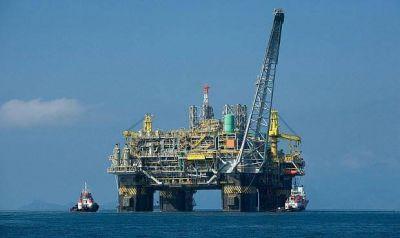 EEUU produce 11 millones de barriles de petróleo al día por primera vez en su historia.