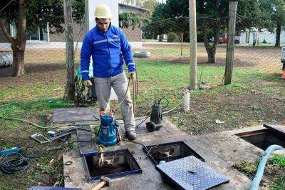 El lunes pasado comenzaron a instalar la nueva bomba en la planta cloacal del barrio Santa Ana