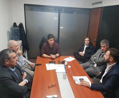 Vidal logra importante acuerdo con PAE para reactivar la producción en Santa Cruz