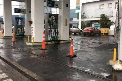 Pese a la liberalización de los precios, denuncian que falta cada vez más combustible