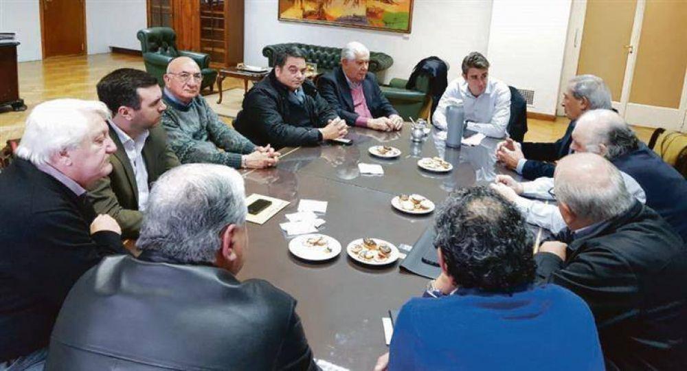 Acepta Iguacel que tarifas de servicios deben aliviar subas