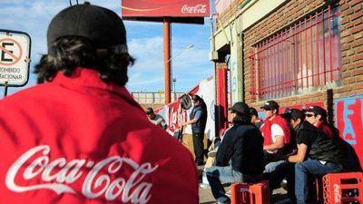 En medio de los despidos Coca Cola anuncia inversiones