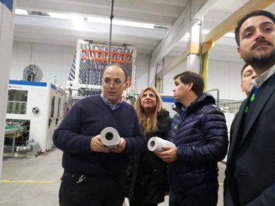 """Diputada París: """"Este convenio fortalece el trabajo de la Celulosa Campana"""""""