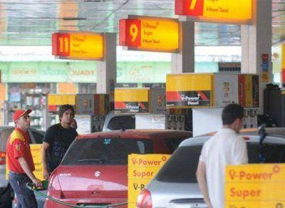 Se agudiza la escasez de nafta en varias localidades del interior