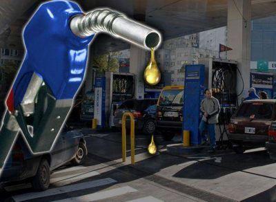 Cupos, precios variables y el pago extra por más litros: las petroleras siembran malestar en las estaciones de servicio