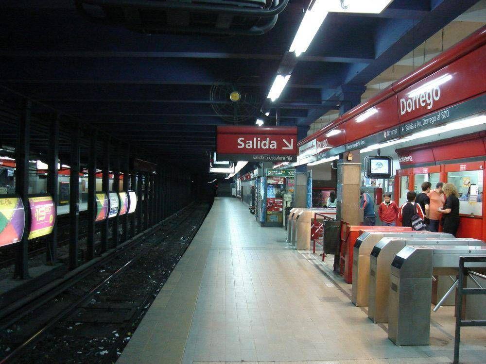 Línea B: Apertura de molinetes y paro de servicio en el Subte en un lunes que arranca con protestas