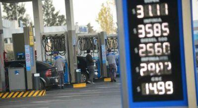 Senadores exigen que YPF unifique los precios de los combustibles en todo el país