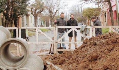 Municipio avanza con importantes y requeridas obras hídricas en el barrio Lapenta