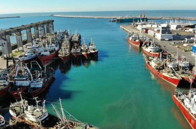 Decretan paro nacional de la flota fresquera