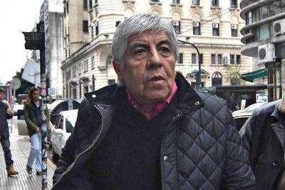 Más presión a Moyano: un organismo oficial sanciona a la obra social de Camioneros
