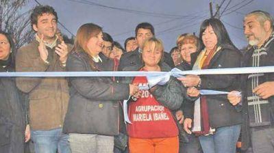 La Ing. Norma Fuentes inauguró pavimento y obras pluviales en el barrio Almirante Brown