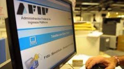 Factura M: la AFIP potencia la implementación de una sanción que los expertos consideran excesiva