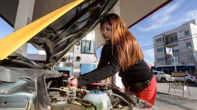 El GNC cuesta la mitad que la nafta pero no se vende