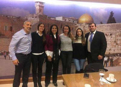 Diputada musulmana se reunió con jóvenes judíos
